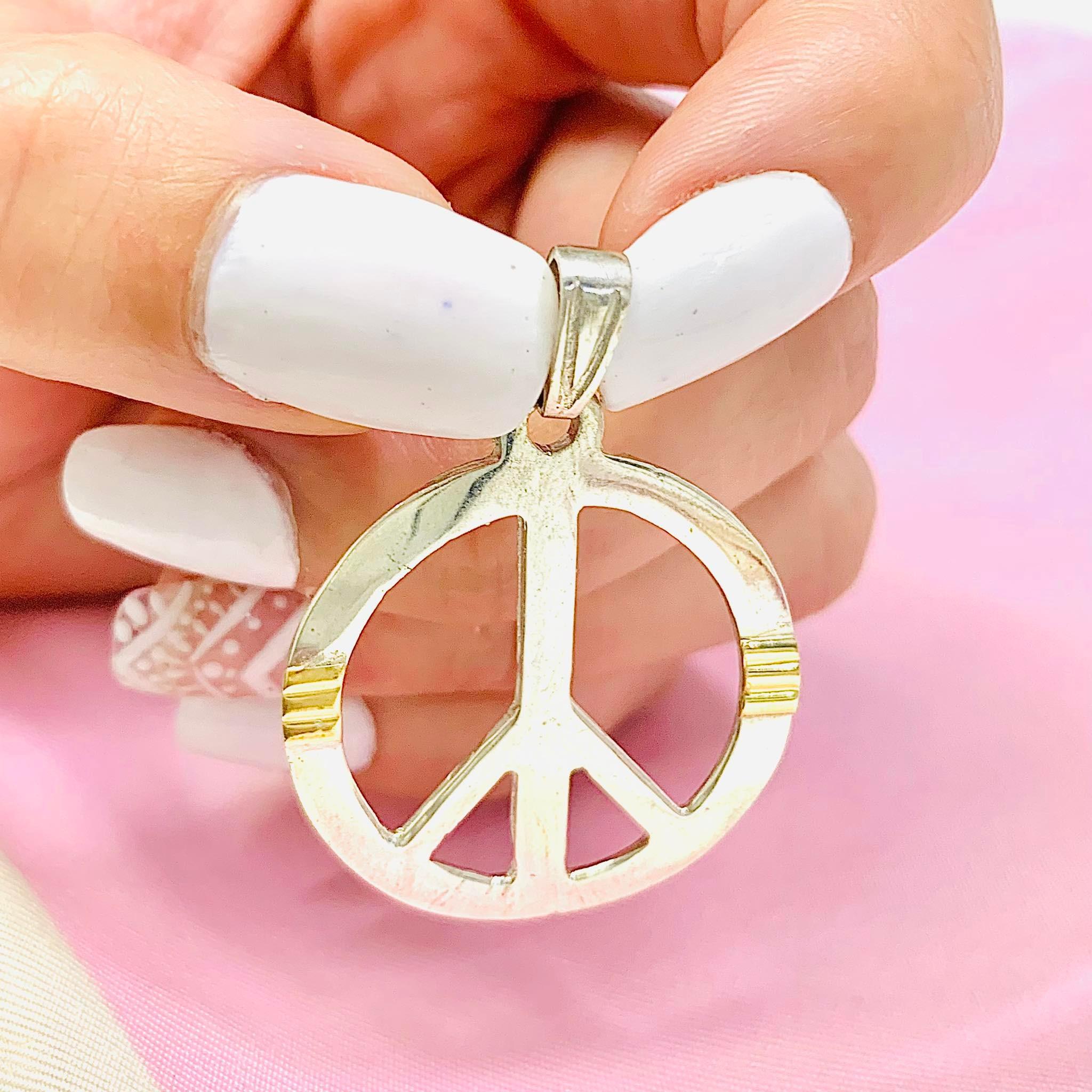 99e5d25dff63 Dije simbolo de la paz 45mm de plata y oro